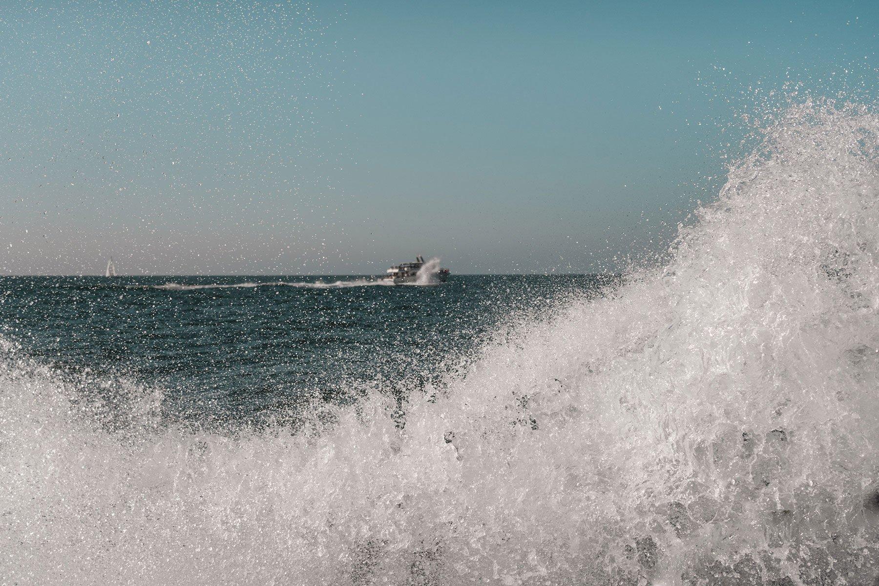 santacruz_island_boat