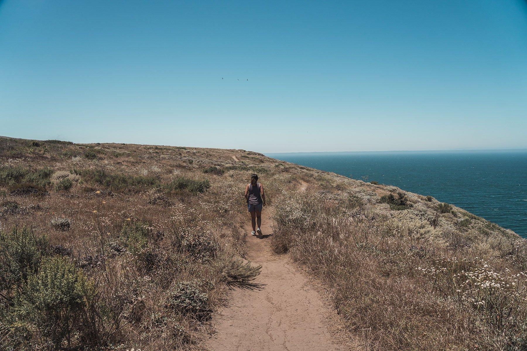 hiking_santacruz_island