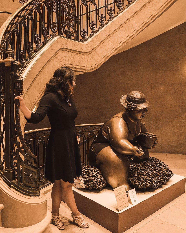 Chateau_Frontenac_inside_stairways_new