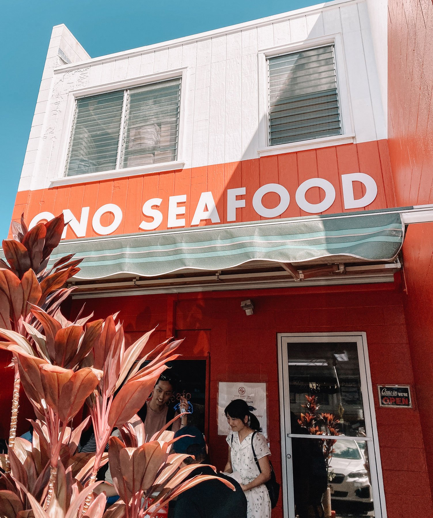 Ono_seafood_oahu_acharmingescape