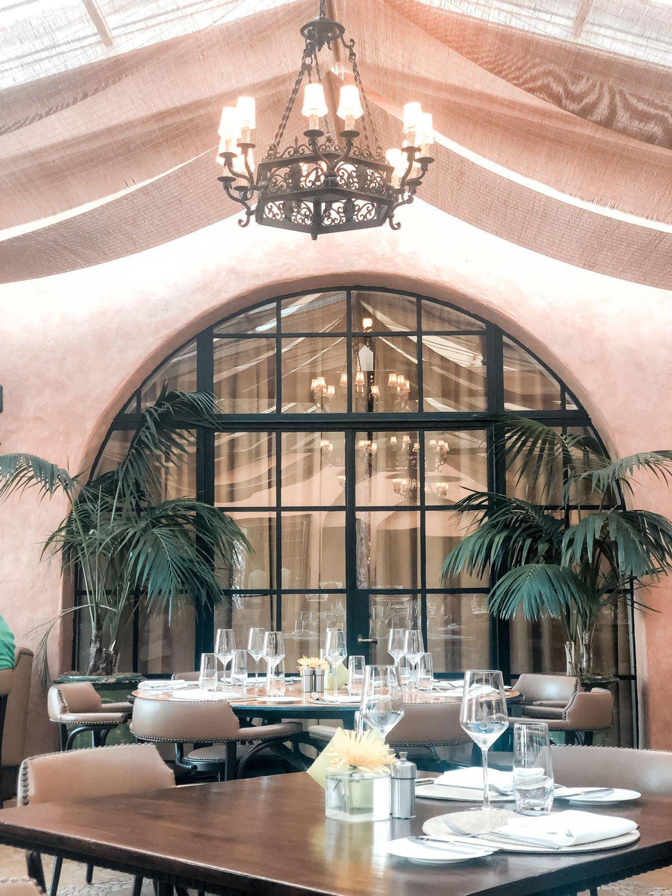 Bella vista Santa Barbara inside