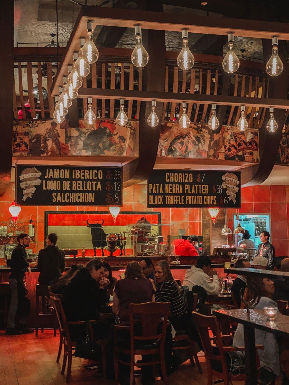 Café Sevilla, Gaslamp